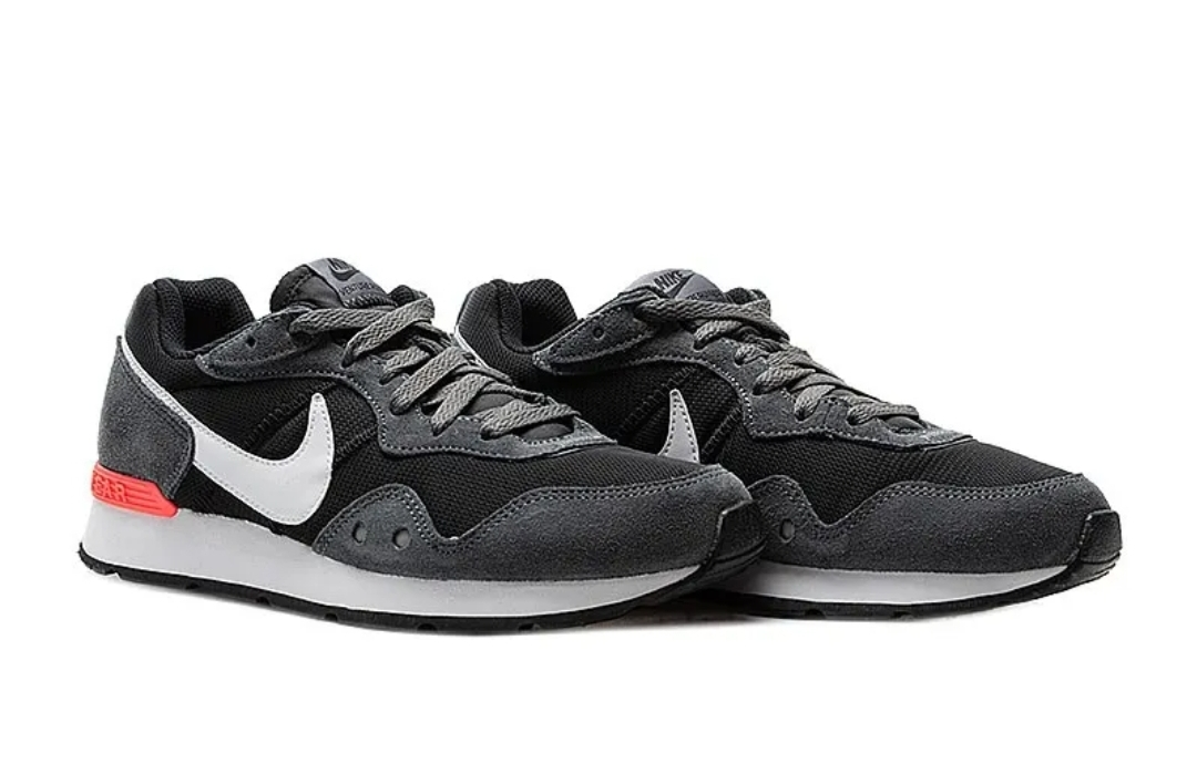 Кроссовки Nike VENTURE RUNNER фото 1
