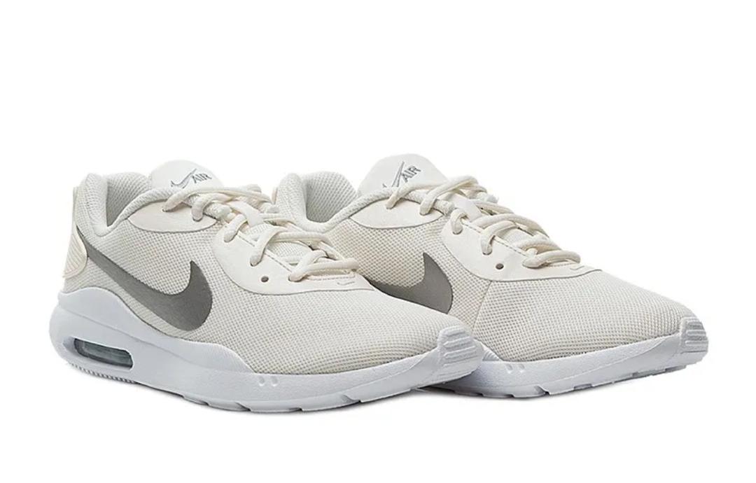 Кроссовки Nike WMNS AIR MAX OKETO фото 1