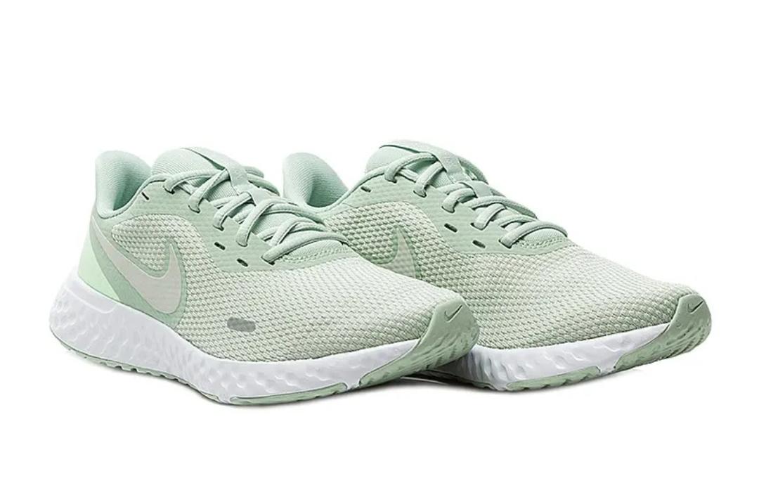 Кроссовки W Nike Revolution 5 фото 1