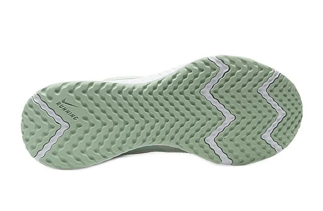 Кроссовки W Nike Revolution 5 фото 5